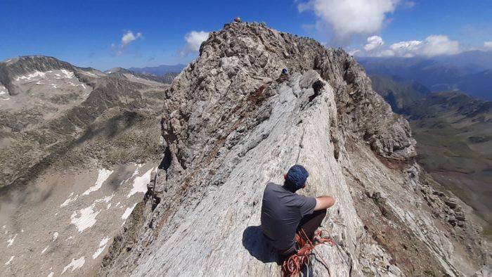 Pico Vallibierna (3067m) y el Tuca de las Culebras (3062m)