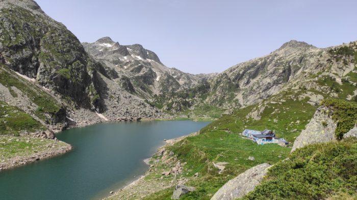 L'étang et le refuge d'En Beys